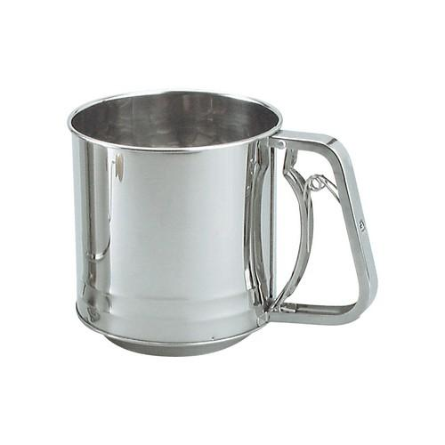 FLOUR SIFTER S/S 5 CUP SQUEEZE HANDLE